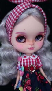 blythe doll auction