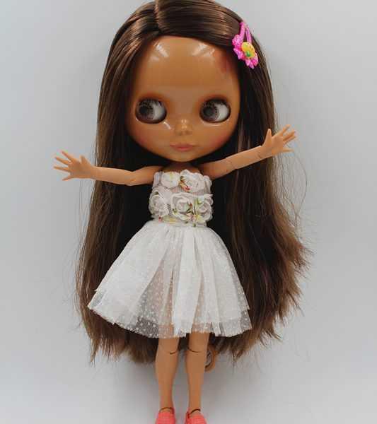 Nela Blythe Doll Brown Standing