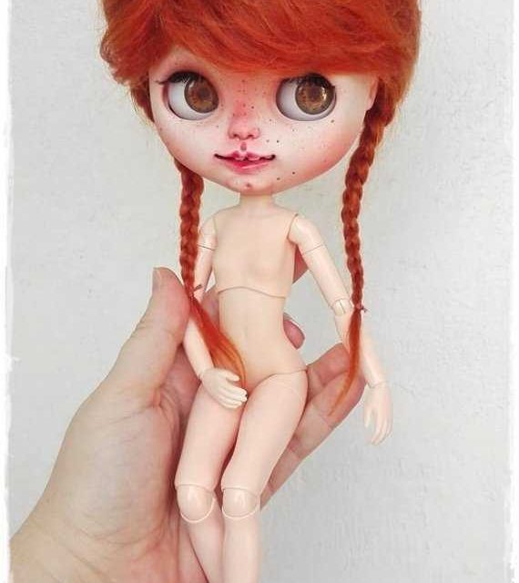Carrie – Custom Blythe Doll One-Of-A-Kind OOAK