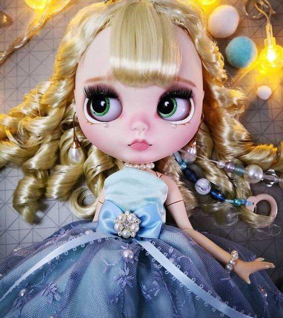 Ella – Custom Blythe Doll One-Of-A-Kind OOAK