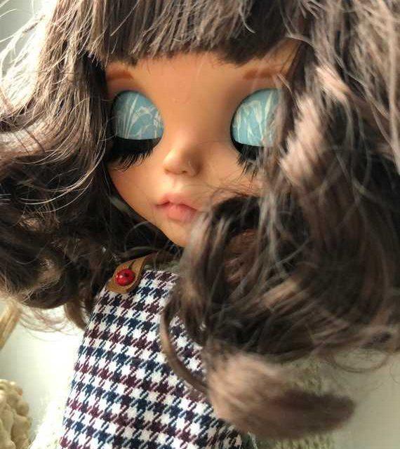 Misha - Boneco Blythe personalizado OOAK