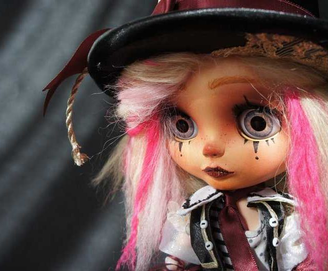 Naomi – Custom Blythe Doll One-Of-A-Kind OOAK