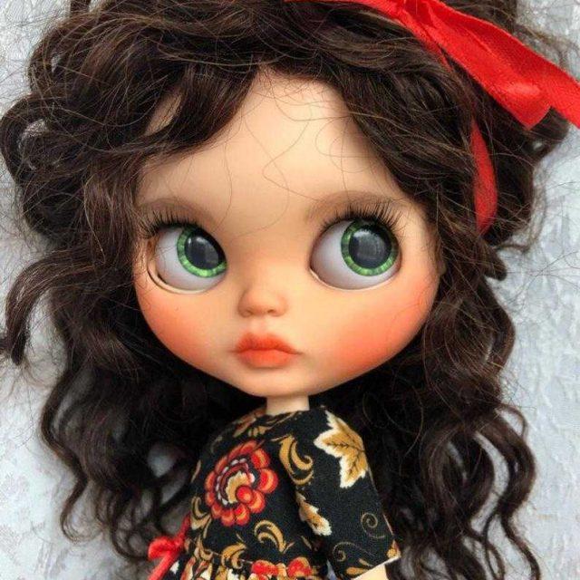 Daniella – Custom Blythe Doll One-Of-A-Kind OOAK