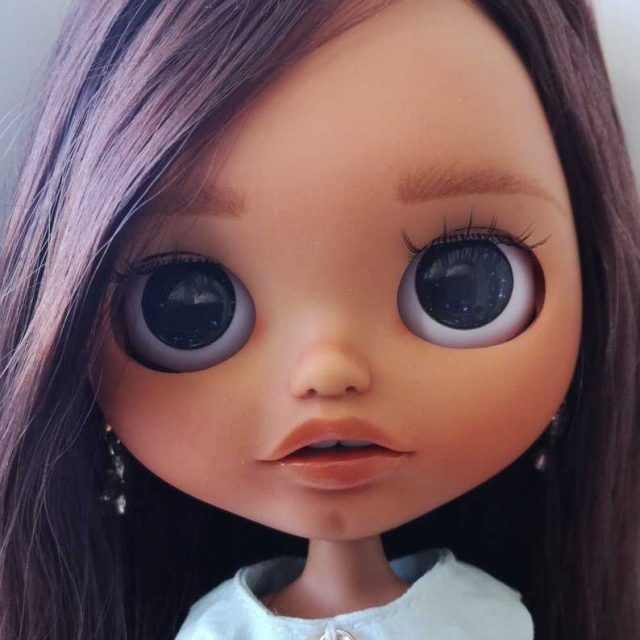 Michelle – Custom Blythe Doll One-Of-A-Kind OOAK