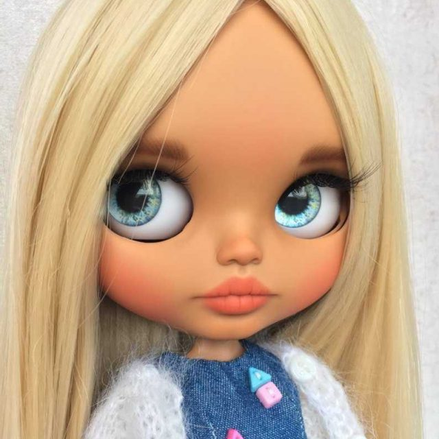 Nancie – Custom Blythe Doll One-Of-A-Kind OOAK