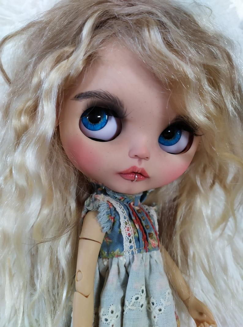 Éloïse - Custom Blythe Doll One-Of-A-Kind OOAK Sold-out Custom Blythes