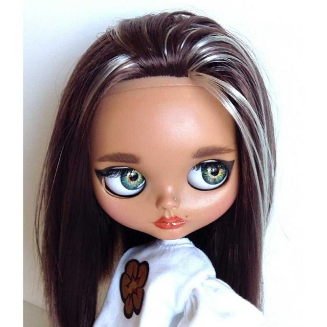 Aileen – Custom Blythe Doll One-Of-A-Kind OOAK