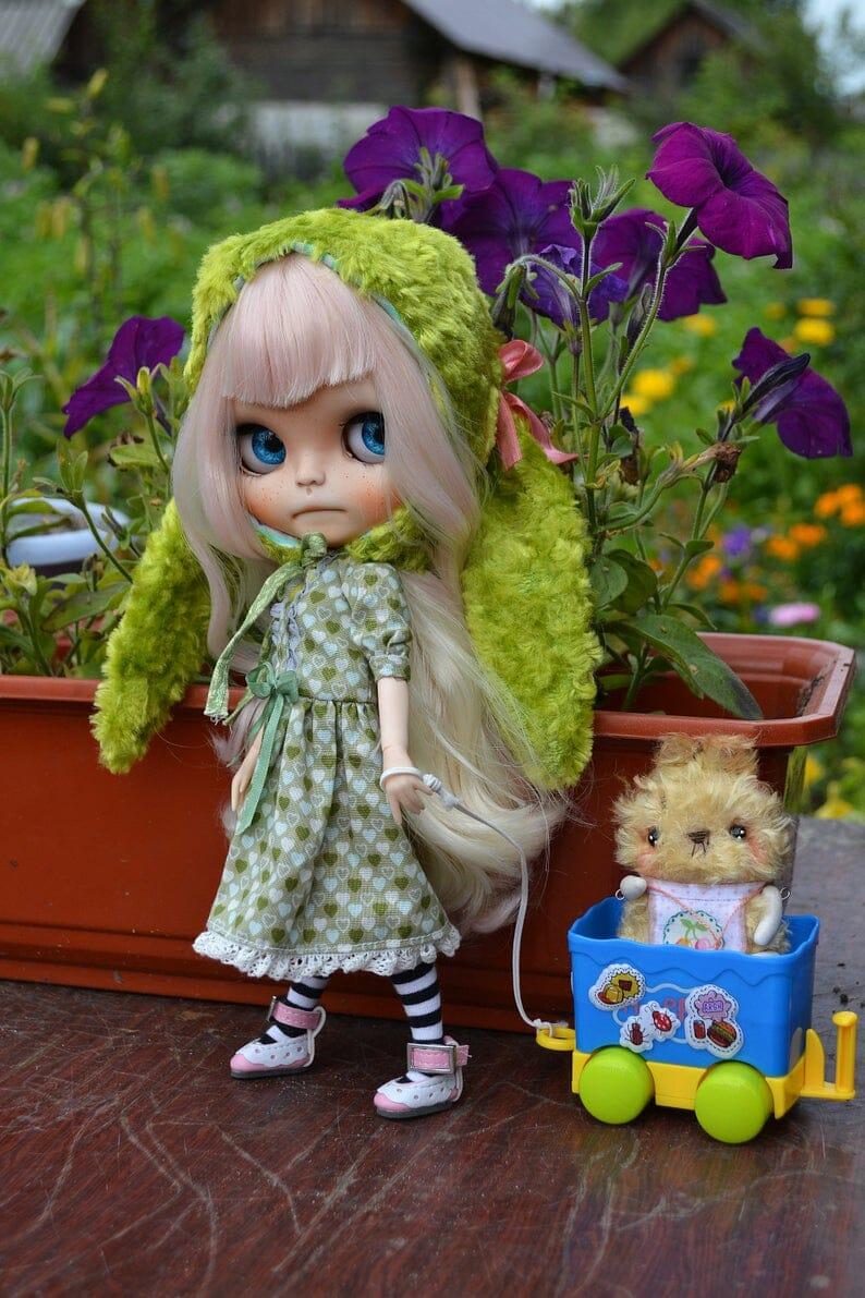 Agatha - Custom Blythe Doll One-Of-A-Kind OOAK Clothes Sold-out Custom Blythes