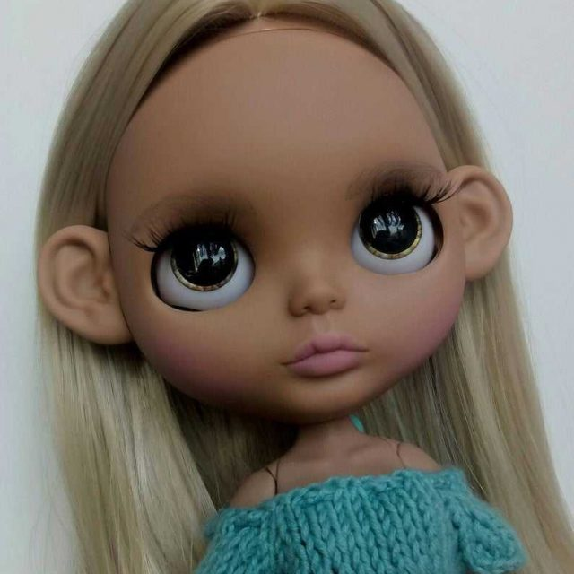 Crystal – Custom Blythe Doll One-Of-A-Kind OOAK