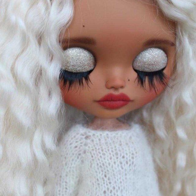 Alessia – Custom Blythe Doll One-Of-A-Kind OOAK