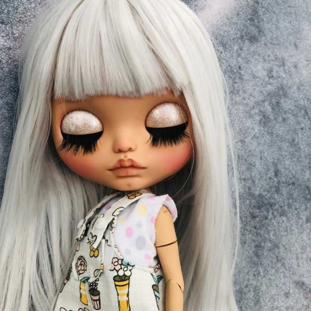 Raelyn - Custom Blythe Doll-Daya-na-A-Kind OOAK