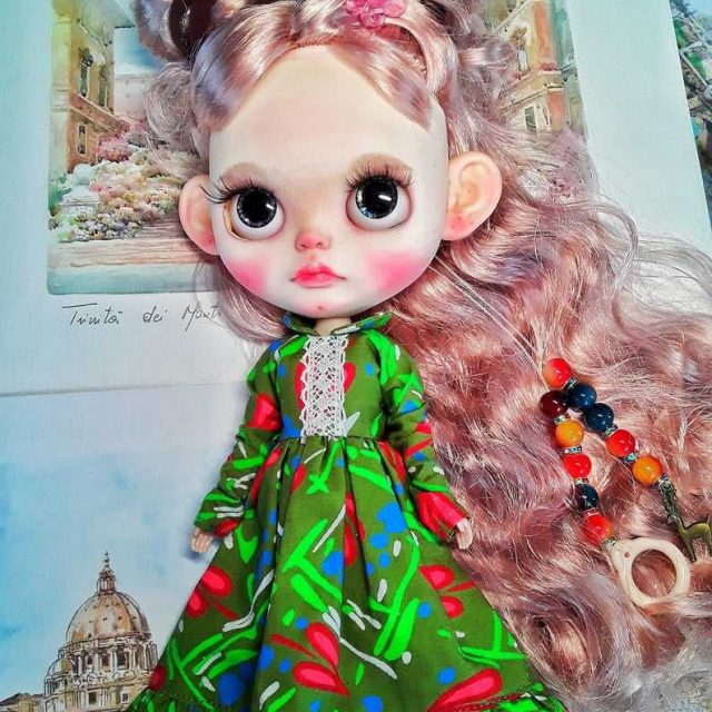 Lizzi - Custom Blythe Doll One-of-A-Kind OOAK