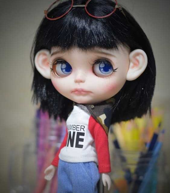 Emery - Boneca Blythe personalizada OOAK