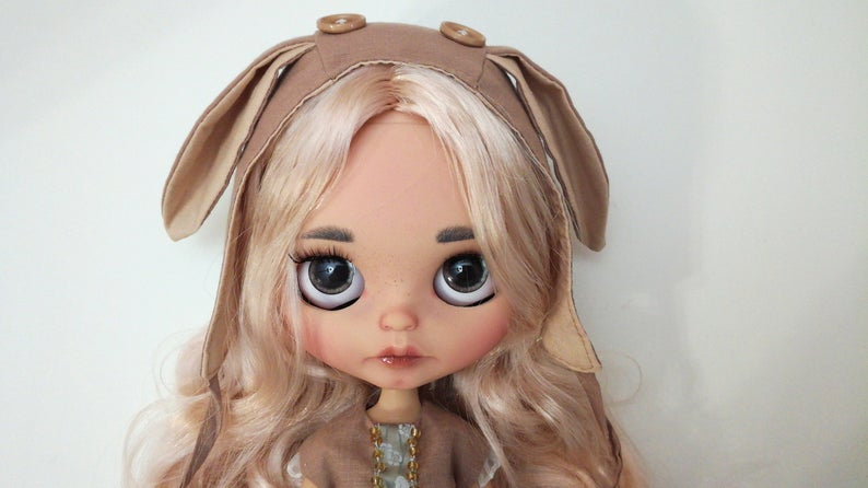 Vera - Custom Blythe Doll One-of-A-Kind OOAK Custom Blythe Doll ⭐
