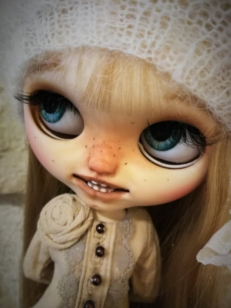 Bouton - Custom Blythe Doll One-Of-A-Kind OOAK Sold-out Custom Blythes