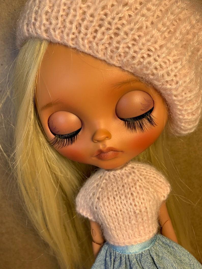 Aliza – Custom Blythe Doll One-Of-A-Kind OOAK Custom Blythe Doll (OOAK)