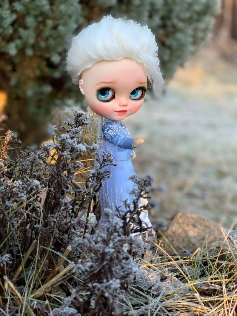 Elsa – Custom Blythe Doll One-Of-A-Kind OOAK Custom Blythe Doll (OOAK)