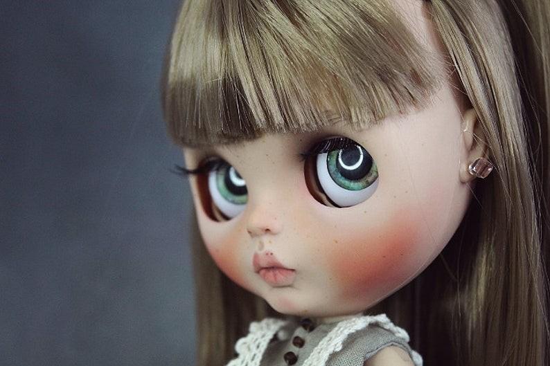 Lida – Custom Blythe Doll One-Of-A-Kind OOAK Custom Blythe Doll (OOAK)
