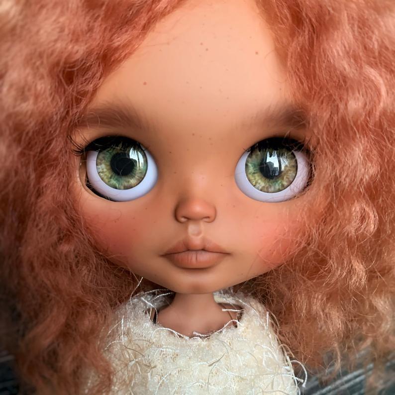 Miley – Custom Blythe Doll One-Of-A-Kind OOAK Custom Blythe Doll (OOAK)