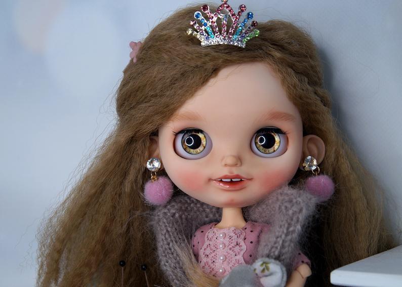 Valery – Custom Blythe Doll One-Of-A-Kind OOAK Custom Blythe Doll (OOAK)