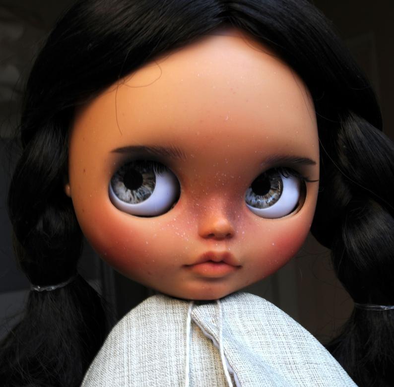 Yareli – Custom Blythe Doll One-Of-A-Kind OOAK Custom Blythe Doll (OOAK)