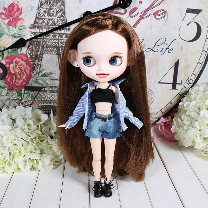 Roxanne – Premium Custom Blythe Doll with Clothes Smiling Face Happy Face Blythes