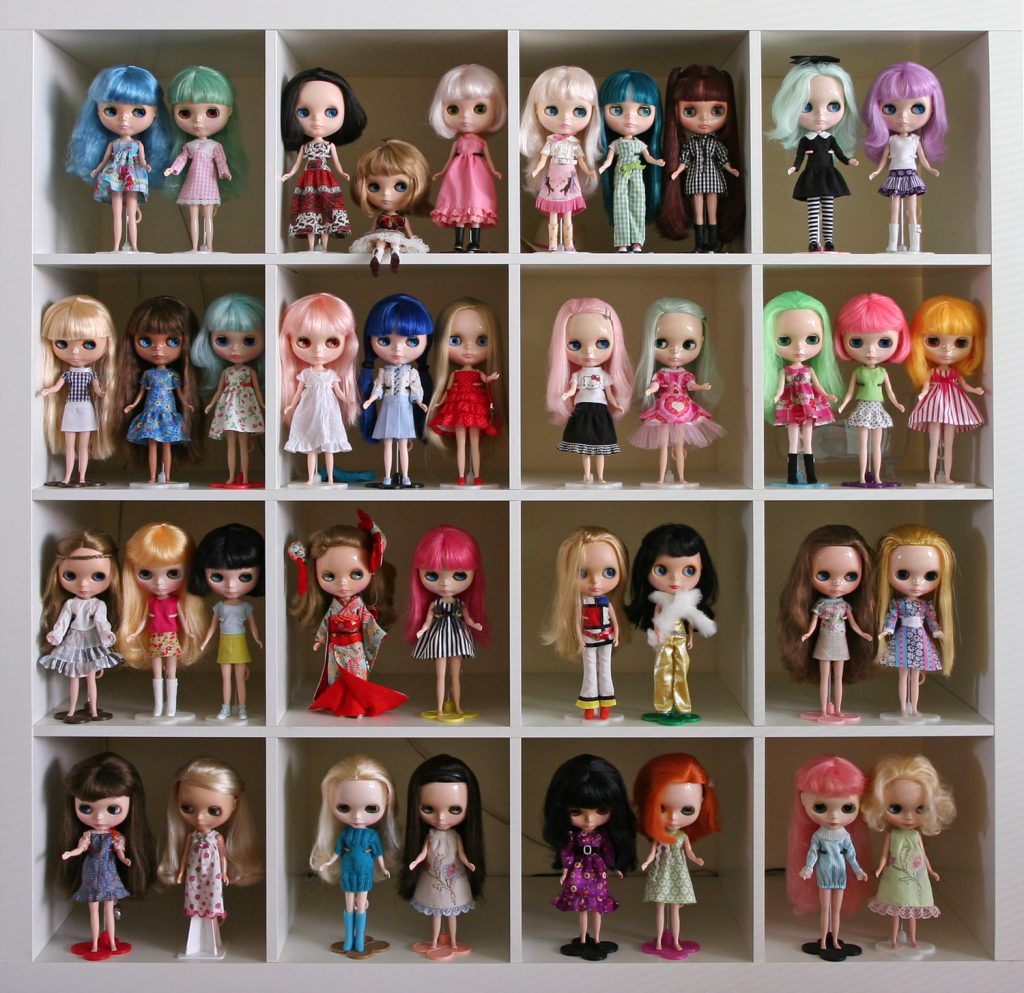 a customer blythe collection