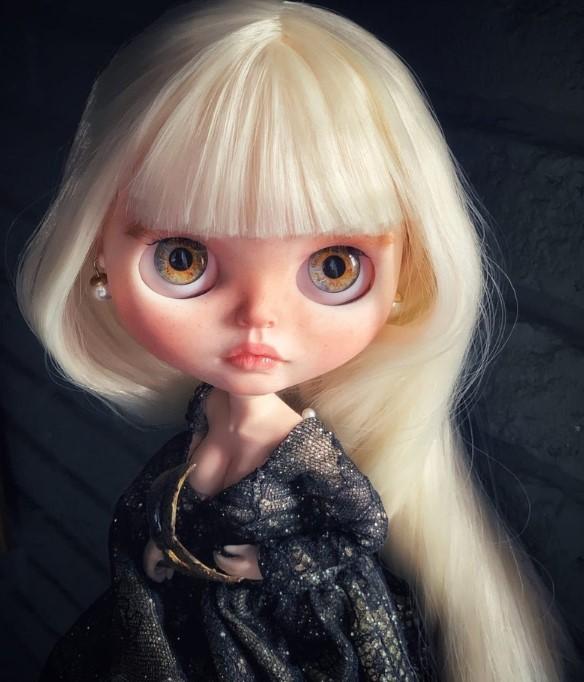 Linda - Custom Blythe Doll One-Of-A-Kind OOAK Custom Blythe Doll (OOAK)