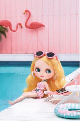 Veronica Flamingo Original Blythe Doll Pool Vertical Photo