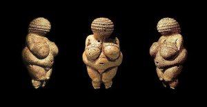 Лялька з фігуркою Венери
